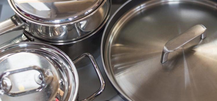 Saiba quais os prazos para adequação de panelas metálicas ao regulamento técnico da qualidade nº 398/2012.